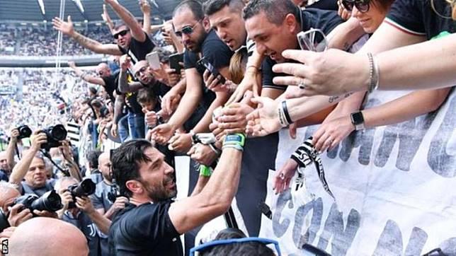 Buffon Berpeluang Kembali ke Pelukan Mantan