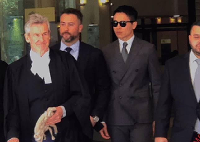 約25分鐘後,高雲翔在律師團陪同下離開法庭。圖:今日澳洲