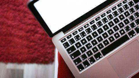 Cara Keringkan HP dan Laptop yang Terendam Air