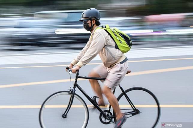 Pesepeda di Monas meninggal akibat berolahraga dengan masker? Ini faktanya
