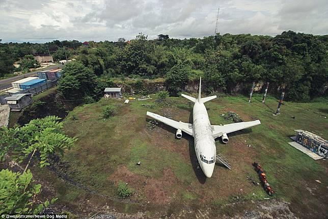Wow, Keberadaan Pesawat Terbang di Bali Ini Bikin Geger Media Luar!