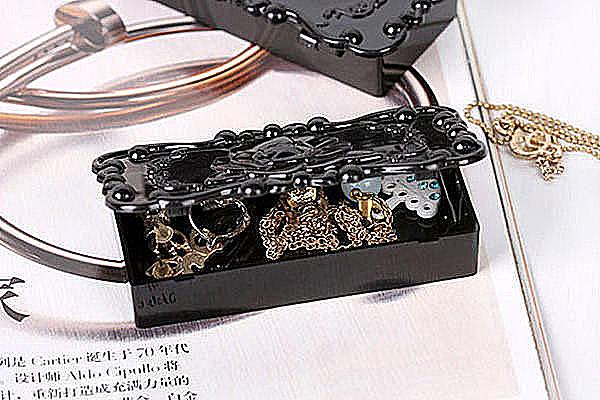 小首飾盒像帶有魔法一般的夢幻n安娜蘇復古雕花風格n內部還有小鏡子