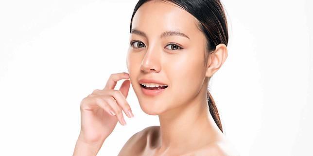 10 Trik Mengatasi Makeup Yang Terlihat Cakey Dan Creasing!