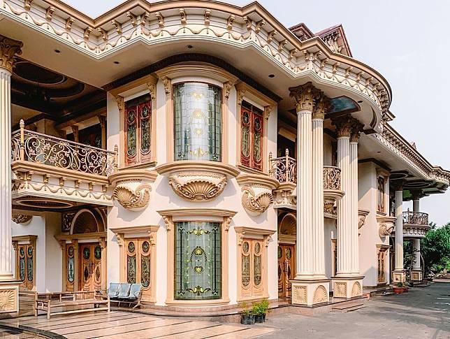 Rumah Mewah Muzdalifah (source: instagram)