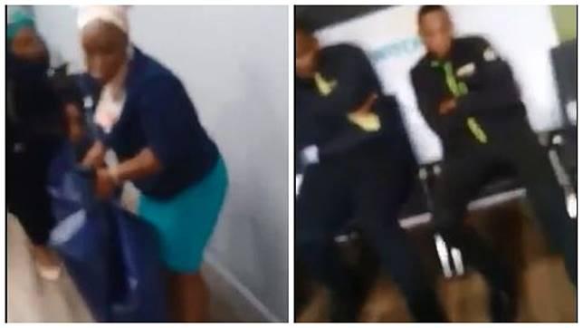 南非一對姊妹花請領過世叔叔的死亡保險理賠金屢遭刁難,乾脆直接抬遺體到公司抗議。(圖/翻攝自YouTube)