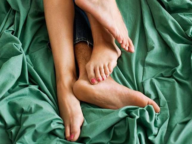 Berapa Kalori Yang Terbakar Saat Berhubungan Suami-Istri?