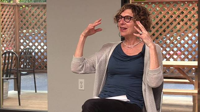 Jan Dworkin係一名博士,亦係一位性治療師,專職解決夫妻閨房疑難。(互聯網)