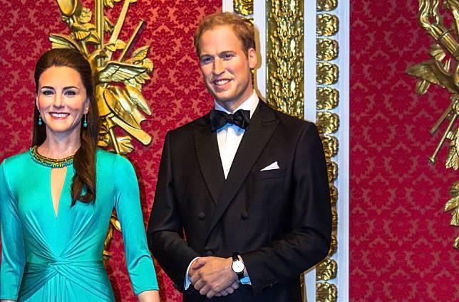 Mengejutkan, Keluarga Pangeran William Bepergian dengan Pesawat Murah