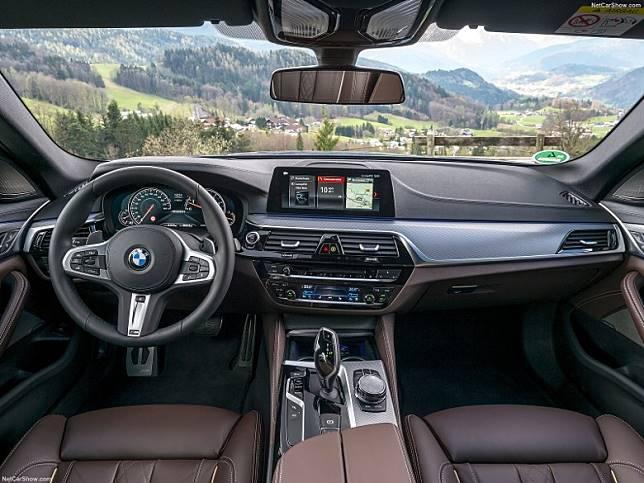 BMW M550i動力大升級,車廂仍為豪華舒適為主。(圖為現行款式)(互聯網)