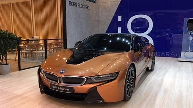 BMW i8, salah satu andalan BMW di sektor mobil listrik yang telah muncul beberapa saat sebelum GIIAS 2019 [Suara.com/ukirsari].