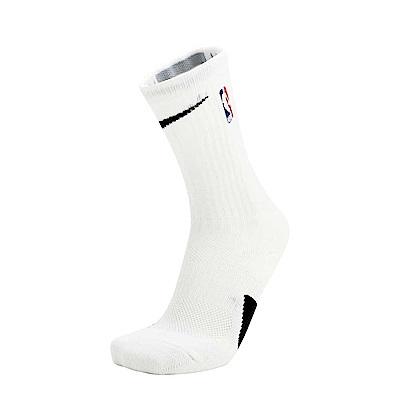 NIKE DRI‐FIT吸濕排汗材質,涼爽舒適。襪底具避震緩衝效果。