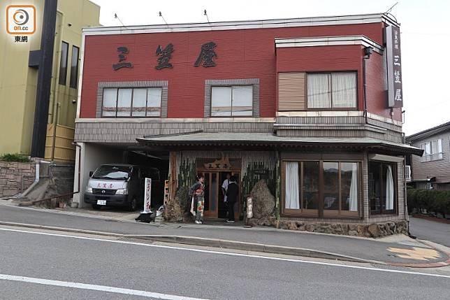 位於北九州若松區的料亭三笠屋,走的是高級日式料理路線。(李家俊攝)