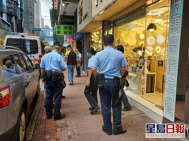 警員到場調查。梁國峰攝