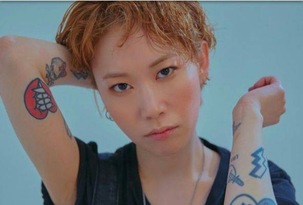 Penyanyi Woo Hye Mi alias MI WOO ditemukan tewas di rumahnya, Sabtu (21/9) malam.