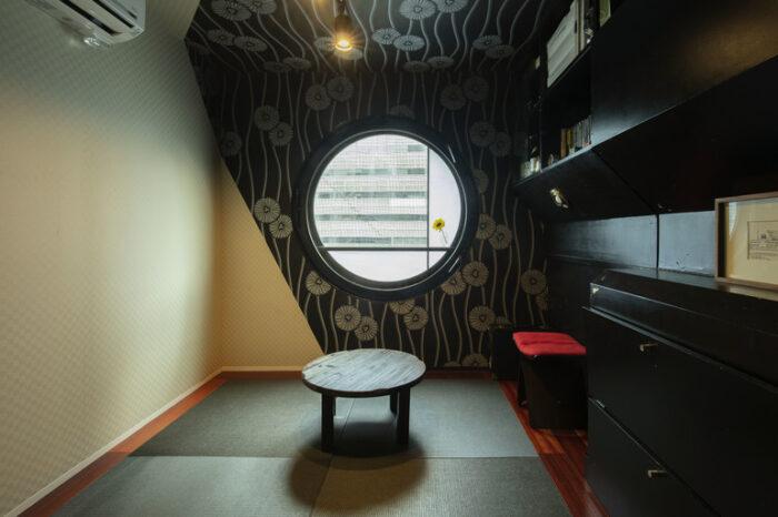 中銀膠囊塔和室