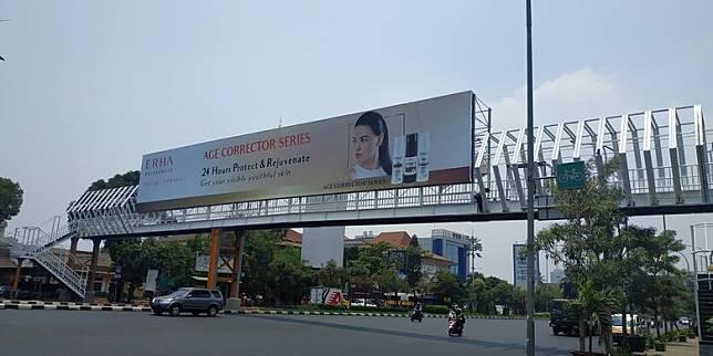 Reklame Dianggap Ganggu Estetika JPO Instagramable di Bekasi