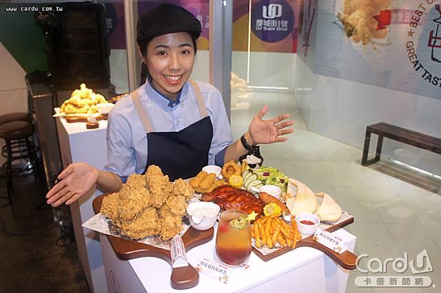 韓國「bb.q CHICKEN」在台開設旗艦店,共提供有6種炸雞口味,祕方醬料均由韓國直輸(圖/卡優新聞網)