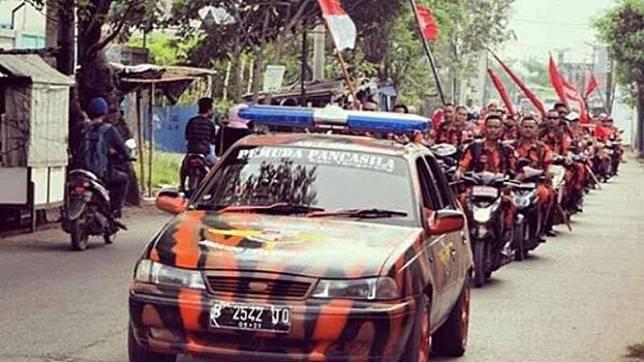 Ilustrasi konvoi ormas Pemuda Pancasila.