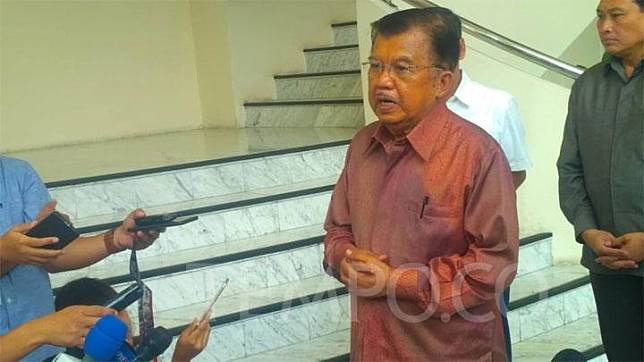 Vice President Jusuf Kalla speaks to journalists at his office on Jl. Medan Merdeka Utara, Central Jakarta, Wednesday, September 4, 2019. TEMPO/Egi Adyatama