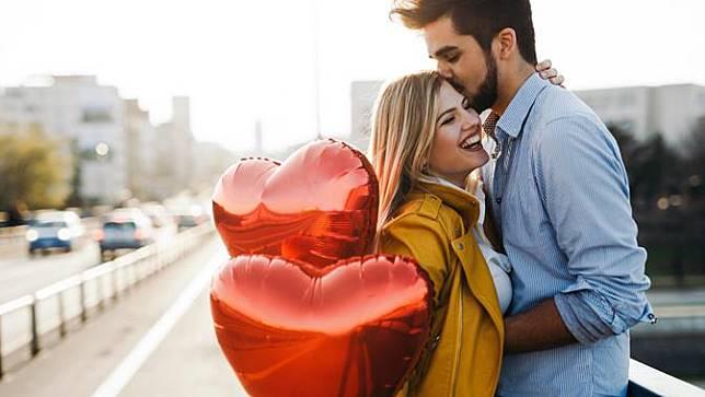 6 Hal yang Dapat Membentuk Hubungan Anda dan Pasangan Langgeng