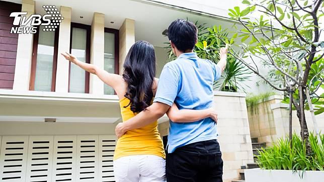 年輕人碰上迷信長輩,想好好買房都困難。示意圖/TVBS