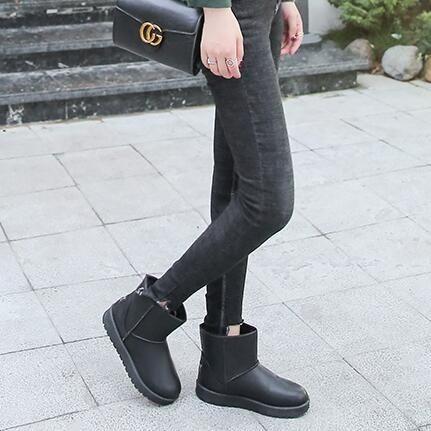 防水雪靴 2019新款冬季皮面雪地靴女短筒保暖加絨短靴