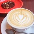 カフェラテ - 実際訪問したユーザーが直接撮影して投稿した西新宿コーヒー専門店PAUL BASSETT 新宿店の写真のメニュー情報