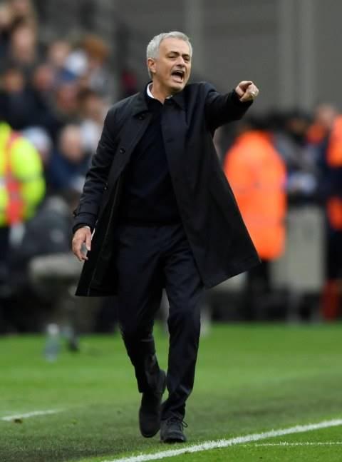 Mourinho Bahagia Bisa Kembali ke Lapangan sebagai Pelatih