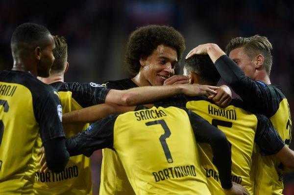 Hakimi Borong 2 Gol Kemenangan Dortmund Atas Slavia