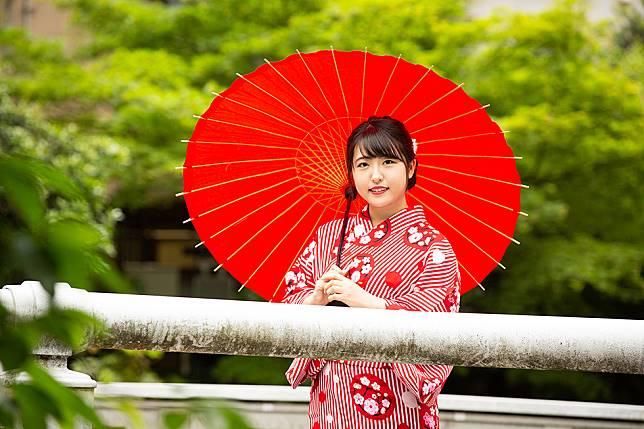 """สาวพนักงานบริษัทคว้าตำแหน่ง """"Miss Yukata"""" จัดโดยคิโนซากิออนเซ็น จังหวัดเฮียวโงะ"""