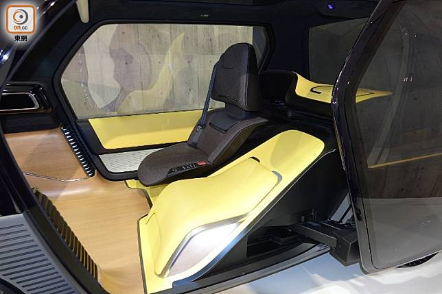 Toyota Ultra Compact BEV Business Concept備有3種模式,分別是Drive、Office及Relax,以配合不同需要。(林健森攝)