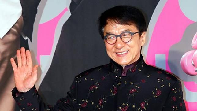 Jackie Chan dirumorkan terpapar virus corona, bahkan sampai harus dikarantina. (AP Photo / Vincent Yu)