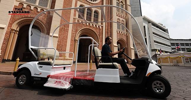 ชมรถพระที่นั่ง Popemobile และจอกกาลิกส์ศักดิ์สิทธิ์ ก่อนพระสันตะปาปาเยือนไทย 20-23 พ.ย. นี้