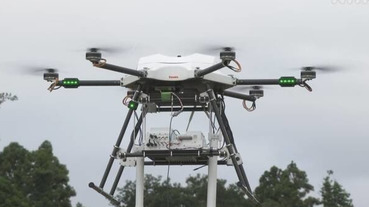 天災時代替基地台的無人機,可供方圓10公里手機同時使用