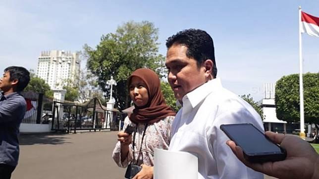 Erick Thohir seusai menemui Jokowi di Kompleks Istana Kepresidenan Jakarta, Senin (21/10/2019). [Suara.com/Ummi Hadyah Saleh]