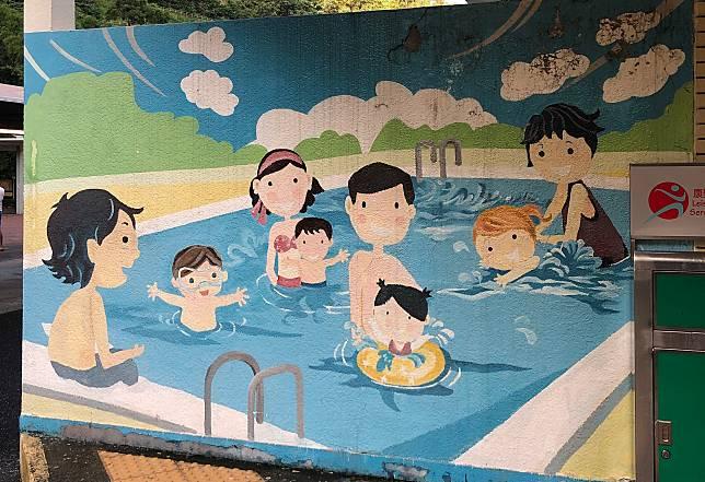 進入泳池範圍後,必須遵守抗疫規則和衛生指引。