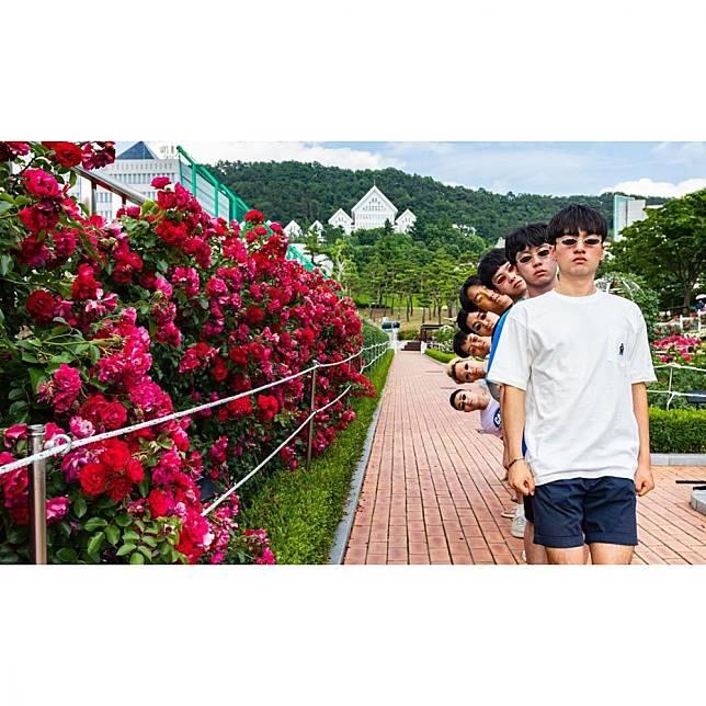 又有新招…韓國IG超紅「爆笑團體照POSE第三彈」想不到拍照姿勢嗎?叫你朋友看這篇! | PopDaily 波波黛莉的異想世界|
