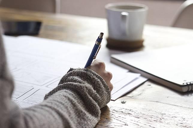▲字要寫的好看,真的是一門課程,除了要多花費功夫練習以外,其實還有一些小技巧能夠幫忙。(示意圖/翻攝自 pixabay )