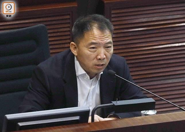 胡志偉指有過半數市民給予警隊0分,反映社會關注警方所造成的傷害。(黃仲民攝)