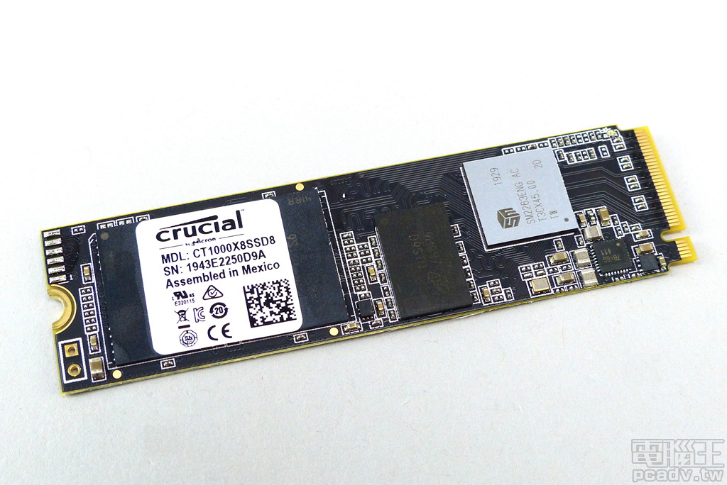 Crucial X8 1TB 版本內部 M.2 SSD 型號為 CT1000X8SSD8,骨子裡與目前市售 Crucial P1 相同。