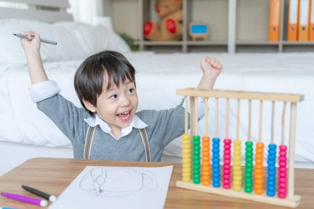 Benarkah Anak yang Aktif Cenderung Lebih Cerdas?