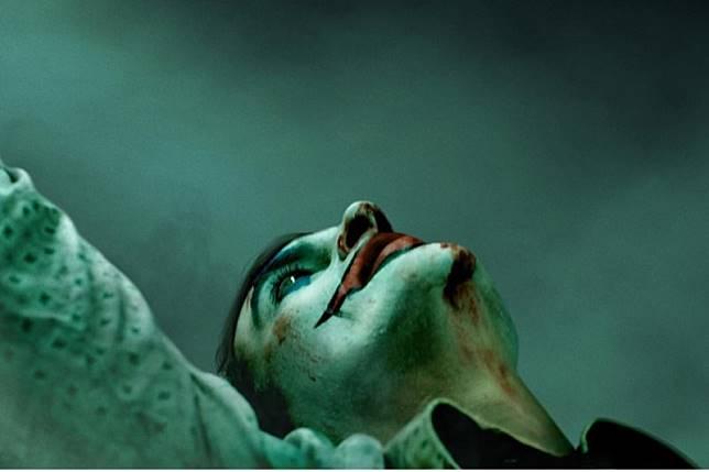 Hasil gambar untuk poster joker pertama
