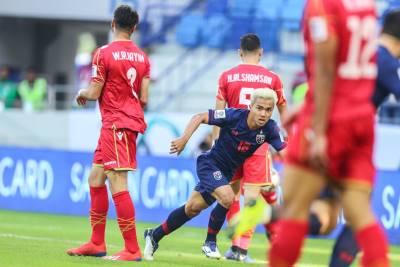 Chuyên gia châu Á: Cầu thủ Thái Lan đã 'phản thầy'