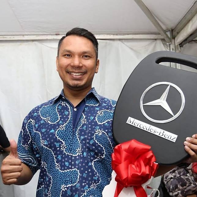 Adityawarman, sebagai pemenang hadiah mobil Mercedes- Benz
