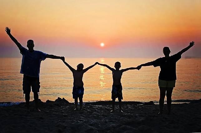Ilustrasi liburan keluarga (pixabay.com)