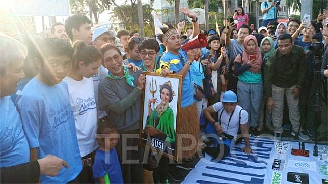 Menteri Kelautan dan Perikanan Susi Pudjiastuti menghadiri Pawai Bebas Sampah Plastik di Hari Bebas Kendaraan alias Car Free Day di Bundaran Hotel Indonesia, Jakarta, Ahad, 22 Juli 2019. Tempo/Caesar Akbar