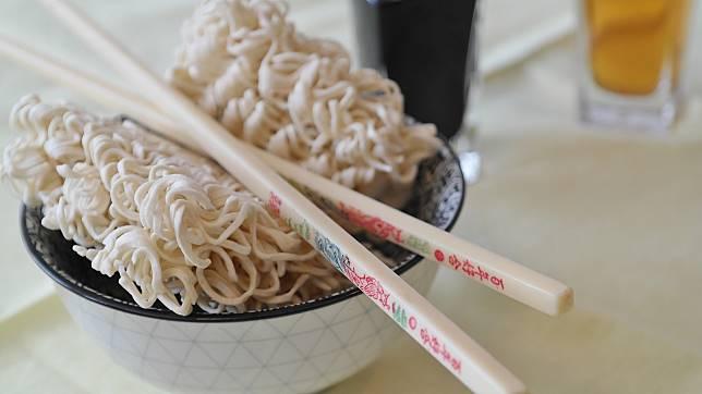▲飢腸轆轆的時刻,來一碗香噴噴的泡麵,那真的是非常銷魂。(示意圖/翻攝自 pixabay )