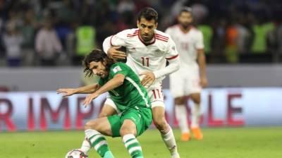 CLIP: Bỏ bóng đạp chân, cầu thủ Iran thoát án phạt nặng