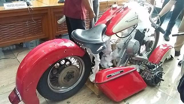 Onderdil Harley yang diangkut Garuda Indonesia