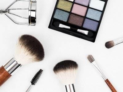 5 Produk Makeup yang Punya Banyak Fungsi